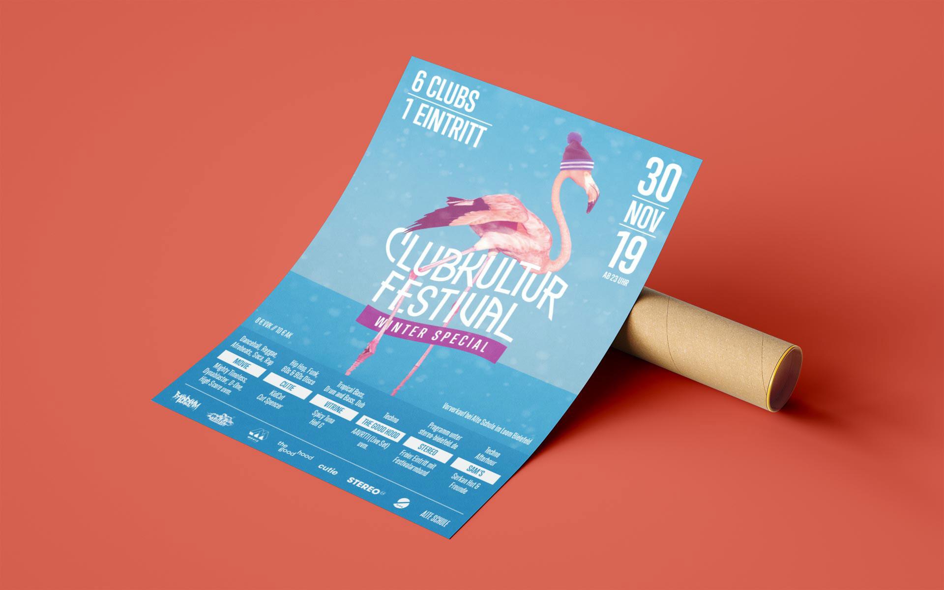 Plakat vom Clubkultur Festival, liegend auf einer Papprolle
